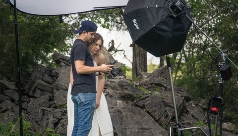 Do You Share Images With Clients on Set?