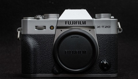 Fstoppers Reviews the Fujifilm X-T20 Mirrorless Camera