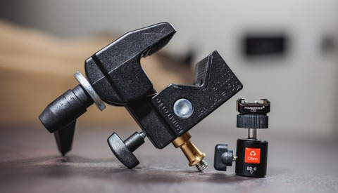 How to Mount Speedlites Anywhere Using Clamps