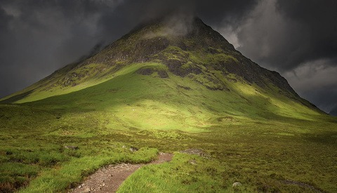 Using Light to Create Drama and Dimension in Landscape Photos