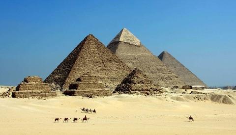 Australian Photographer Speaks in Defense of His Nude Egyptian Temple Shoot