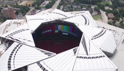 Atlanta Stadium Debuts Its Roof That Opens and Closes Like a Camera Lens' Aperture