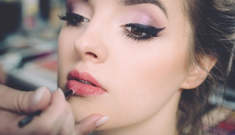What Photographers Need to Consider Before Hiring Makeup Artists