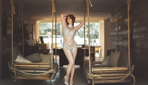 Behind-the-Scenes Look Into the Boudoir Community