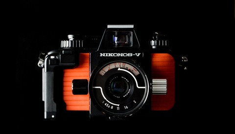 Fstoppers Analog Review: Nikonos V