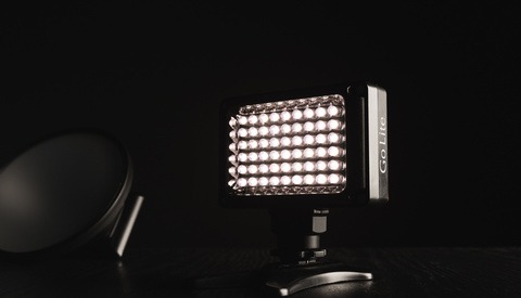 Fstoppers Reviews The Go Lite by Lowel, an Ultra-Compact LED Lighting System