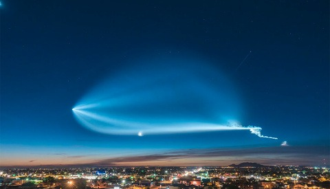Stunning Time-Lapse of SpaceX Falcon9 Rocket Launch