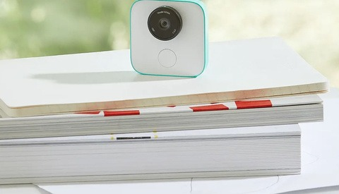 Google's AI-Powered Clips Camera Takes Photos For You