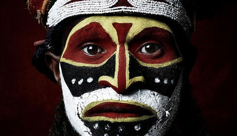 Photographer Captures Incredible Photos of Native and Modern Cultures of Papua New Guinea