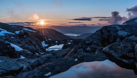 A Beautiful Time-Lapse Journey Through Norway