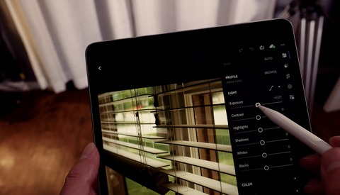 Why You Should Consider Using Lightroom Mobile on the Go
