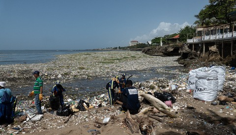 The Latest Waves of Plastic Documented in the Dominican Republic