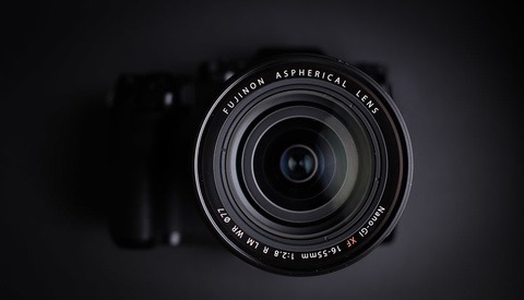 Fstoppers Reviews the Fujifilm XF 16-55mm f/2.8 R LM WR Zoom Lens
