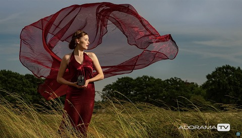 How to Mix Flash and Ambient Lighting to Create More Dramatic Photographs