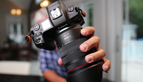Canon Almost Made the Best Camera for Vlogging, but Then Screwed It Up