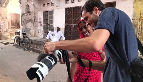 How to Take Photos of Strangers When Traveling