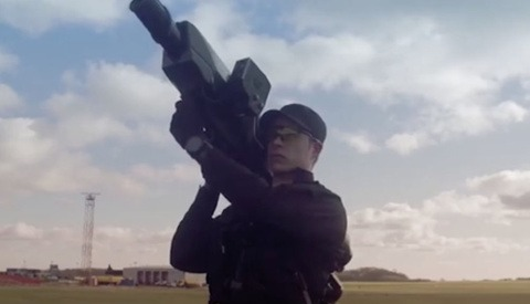 UK Police Training to Use Special Bazookas in Preparation for Copycats After Gatwick Airport Drone Incident