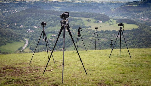 The Best Way to Set Up a Tripod