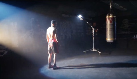 Behind The Scenes: How Alexis Cuarezma Photographed This Creative Portrait of Boxer Devon Lee