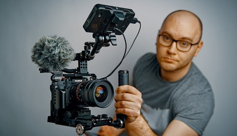 Is This the Ultimate Rig for Shooting Handheld Video on a DSLR?