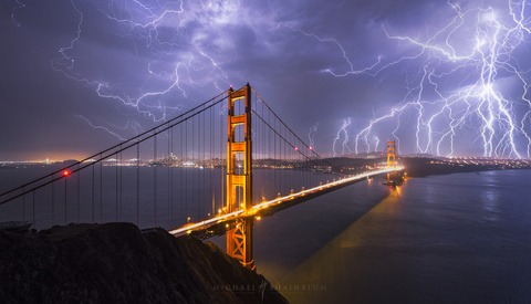 An Electrifying Photo of the Golden Gate Bridge and the Story Behind It