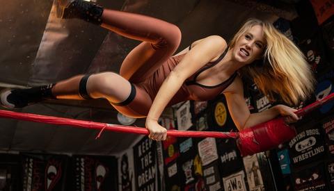 How Ilya Nodia Shot These Portraits of Pro Wrestler Simone Sherie