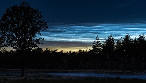 Photographing Noctilucent Clouds