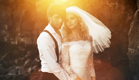 Wedding Photographers Called 'Abusive' and 'Unprofessional' for Refusing to Work With Influencer for Free