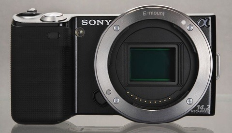 Is the Sony E-mount Already Becoming Obsolete?