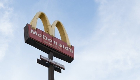 How a McDonalds Worker Finally Got Getty to Remove Stock Photo of Herself Taken Without Permission, Used in Negative Articles