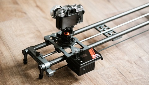 Fstoppers Reviews YC Onion Hot Dog 3.0 Motorized Slider: A Good Budget Option for Videographers?
