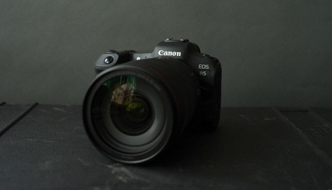 The Canon EOS R5 Is a Mirrorless Workhorse
