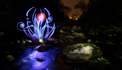 [Video] : Lightpainted Reality: A Free Light Painting Documentary