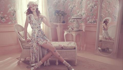 [BTS] Anna Sui's One Light Fashion Shoot With Sanchez & Mongiello