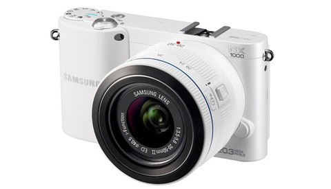 Samsung's NX1000 SMART Camera With Built In WiFi