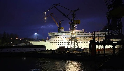 Beautifully Filmed Industrial Timelapse Shows A Cruise Ship Undergoing Substantial Renovation