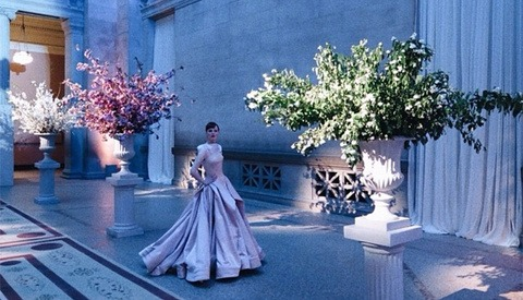 Mario Testino Takes Over MET 2014 As Event Photographer