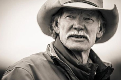 "Behind The Scenes As Tyler Stableford Captures Incredible Portraits Of ""The Farmers"""