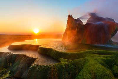 """Aerial Video And Night Photography Of The Spectacular """"Fly Geyser"""""""