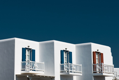 """Greece"" Series Showcases Gorgeous Color, Minimalist Detail"