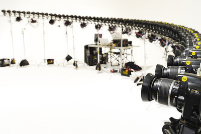 The Flüg Bullet-Time Photo Booth Wins Over PPE 2014