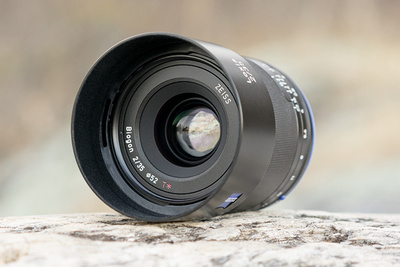 Fstoppers Reviews the Beautifully Crafted Zeiss Loxia 35mm f/2 Lens
