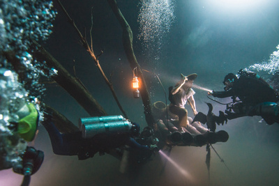 How Von Wong Captured An Amazing Portrait Deep Under Water