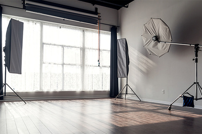 4 Reasons to Consider Using a Rental Photography Studio