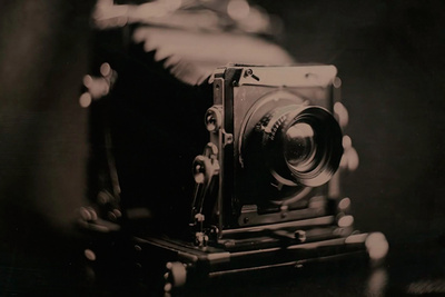 Video Shows the Making of a Tintype From the Photographer's Perspective
