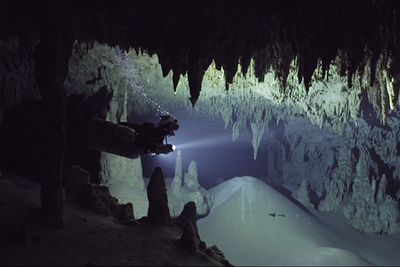 Stunning Video Shows Cave Divers in Another World