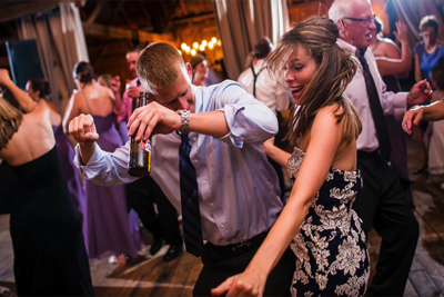 In the Shoes of a Wedding Photographer: Tom Harmon Takes You Behind the Lens