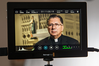 Fstoppers Review of the Blackmagic Video Assist 4K Video Monitor and Recorder