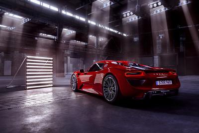Photographer Philipp Rupprecht Shoots the Porsche 918 Spyder Hypercar in a Locomotive Hall