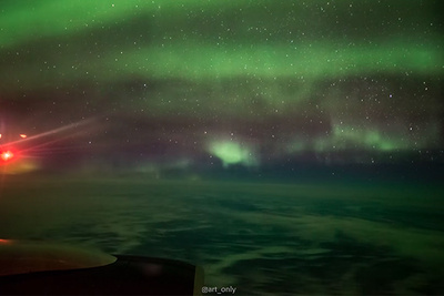 Photographer Captures Striking Time-Lapse of Aurora Borealis From Plane